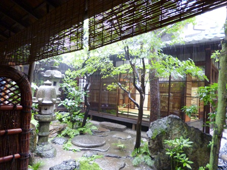 長江家 中庭