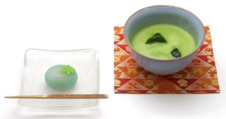 鶴屋吉信 冷抹茶と京菓子