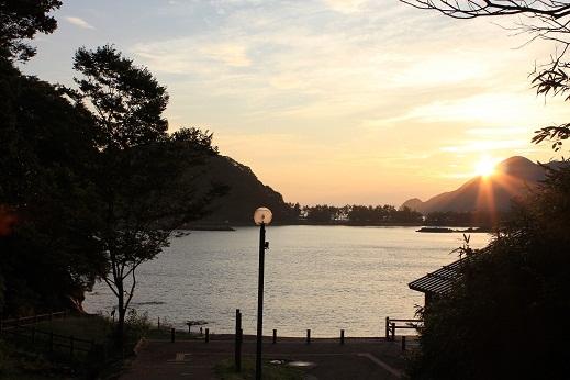 庵蛇浜の朝景