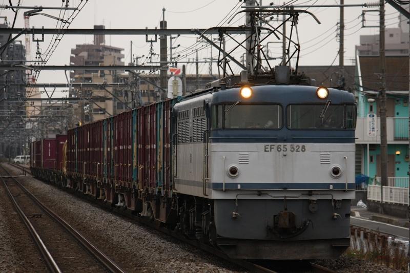 EF65 528