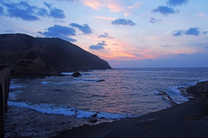 ダルマ夕陽が沈む