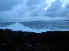 2012.12.13 沖側を這い上がる波