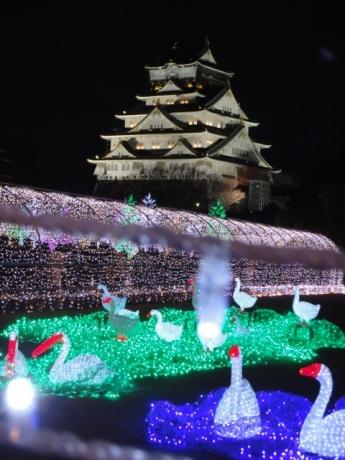 バックに大阪城!