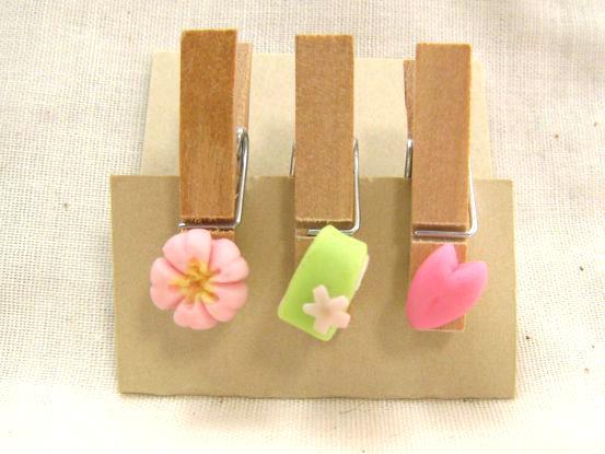 桜の和菓子のウッドピンチ1