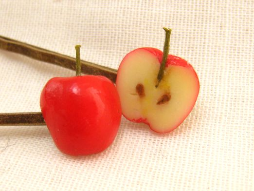半分リンゴのヘアピン2