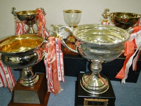 5大会の優勝杯