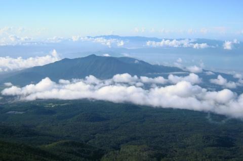 雲海と愛鷹連峰
