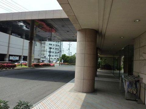 岡山、ホテル ロレヤルの前