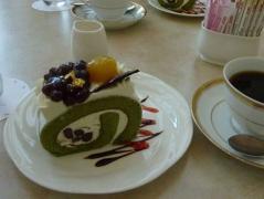 抹茶ロールケーキとkfee