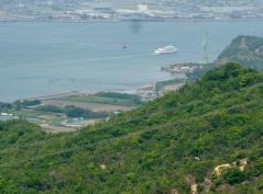 児島湾を小豆島へ航行する連絡船