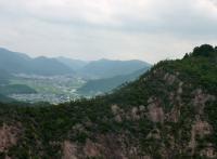 11:30 穂高山?和気の市街地が見える、山が多くて・・・