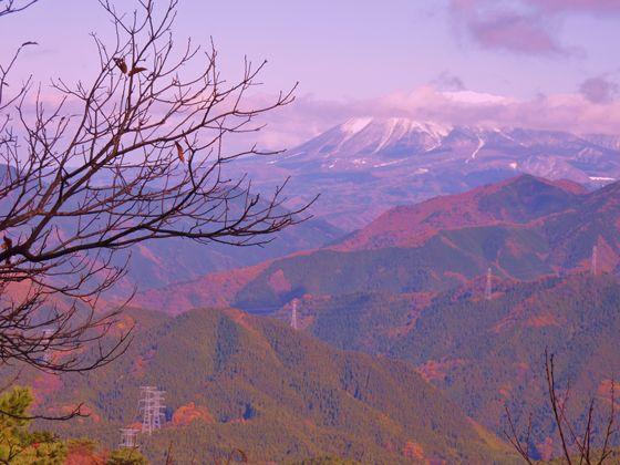 鳥取県の山並み・・・遥か先に雪の大山