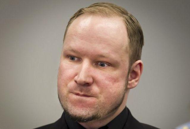 inside_breiviks_cell_in_norwegian_prison_640_01.jpg
