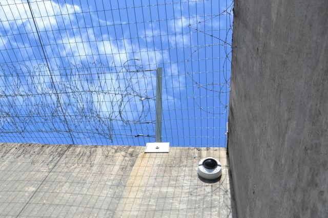 inside_breiviks_cell_in_norwegian_prison_640_09.jpg