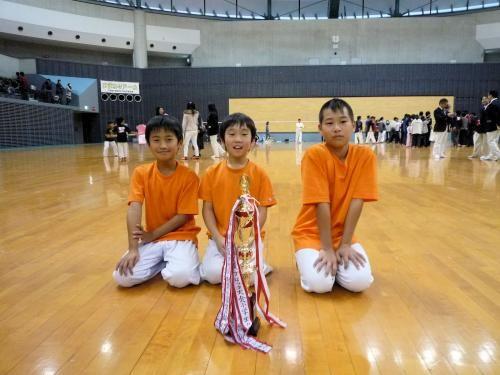 05小学団体優勝