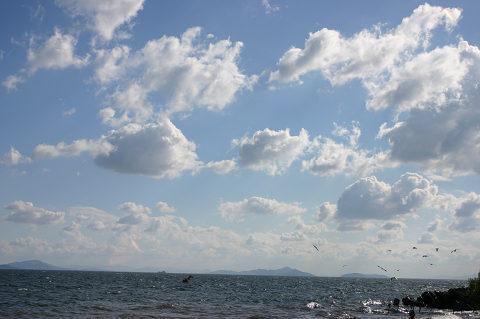 琵琶湖は広いな大きいな