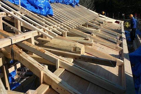 もうすぐ屋根工事へ