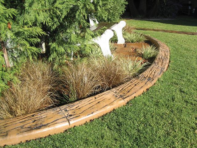 Wood Garden Border Edging Ideas 640 x 480