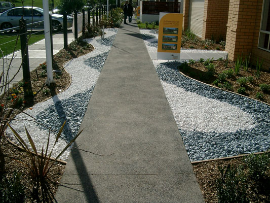 River Rocks Entry Garden : Landscaping with River Pebbles