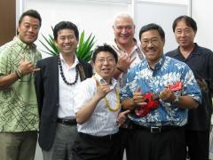ハワイ島のアイランド・ウィークで旅行会社を訪問したメンバー。右から3番目がビッグアイランド観光局のホーナー氏。一番左がHTJ営業本部長の三枝氏