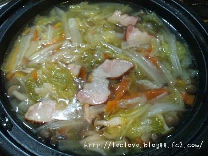 ベーコンと白菜の蒸し煮スープ完成♪