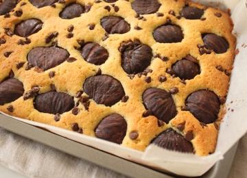 栗の渋皮煮とチョコチップのアーモンドケーキ