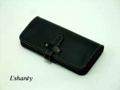 L'shanty ベルトタイプの長財布