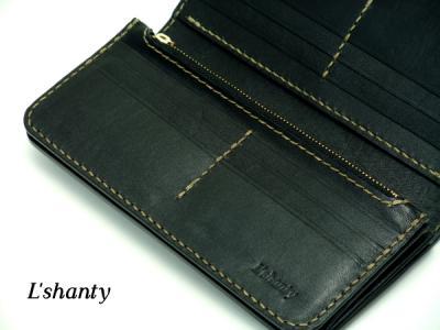 L'shanty ベルトタイプの長財布 カードポケットアップ