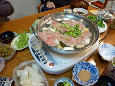 豚肉・ソーセージ入り湯豆腐