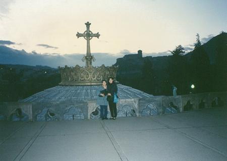 ルルド教会前