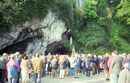 ルルド・洞窟