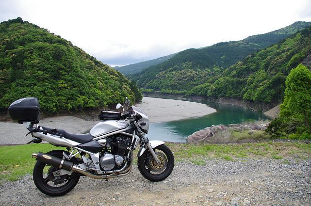 22大きくクネル北山川