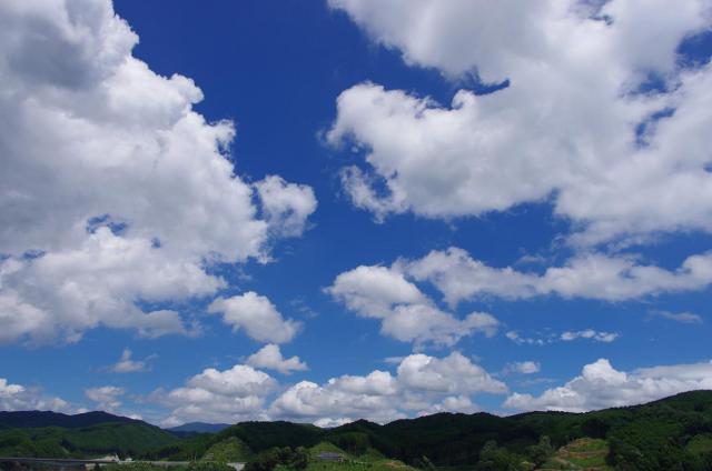 12綺麗な青空