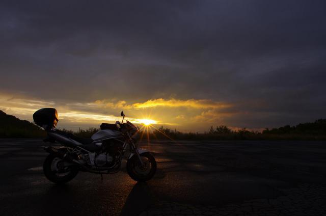 31夕日の最後の光と