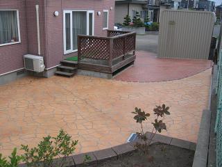 雑草対策にもステンシルコンクリート