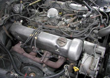 ベンツ M116 エンジン