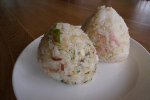 20120513-01 onigiri (resized)