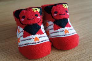 20120609-04 baby socks (800x532)