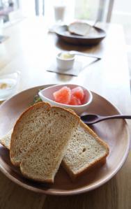 20120905-03 breakfast (403x640)