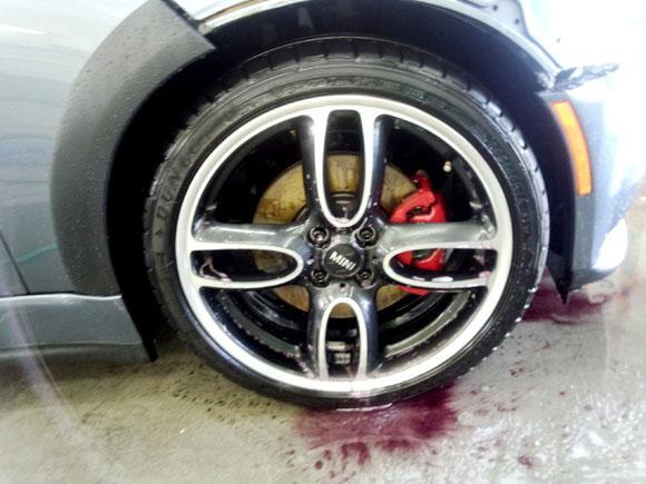 BMW ミニ John Cooper Works@ホイール鉄粉除去