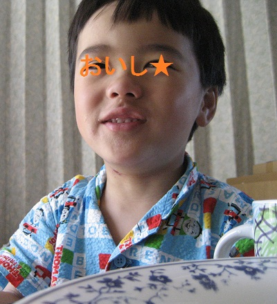 moni_20120625_cs05.jpg