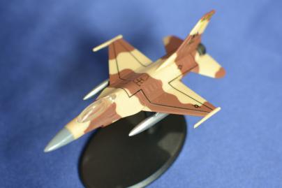 最速の翼F-16