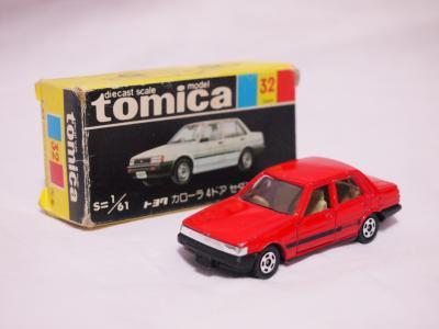 トミカ 80カローラ