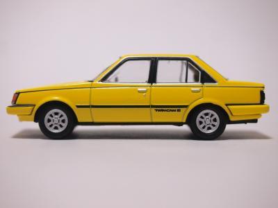TLVN カリーナGT-R 黄色 サイド