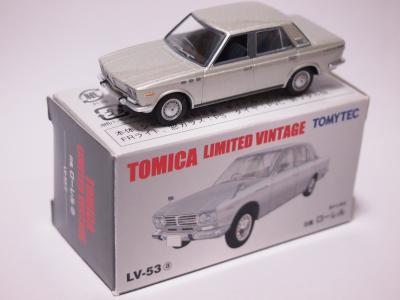 TLV 日産ローレル1800