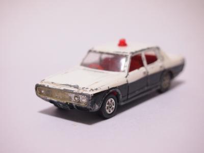 トミカ ニュークラウンパトロールカー フロント