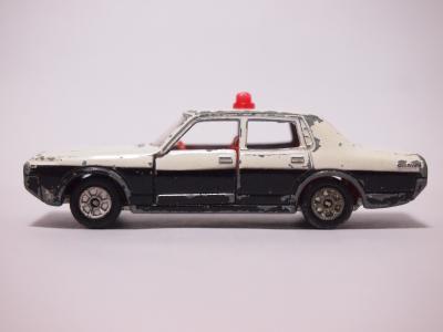 トミカ ニュークラウンパトロールカー サイド