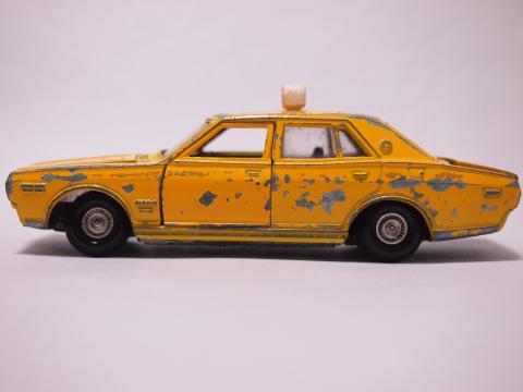 ダイヤペット  セドリック構内タクシー サイド