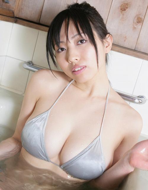 坂ノ上朝美Gカップ美巨乳おっぱい画像-4b01.jpg