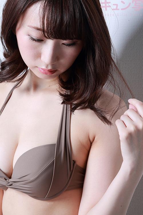 荒井華奈Gカップ巨乳おっぱい画像3a04.jpg